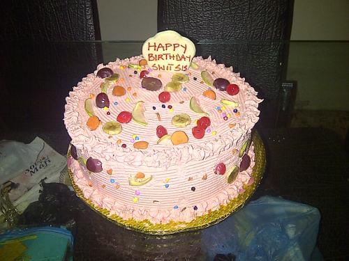 Asaba-20140110-02904-creamy cakes